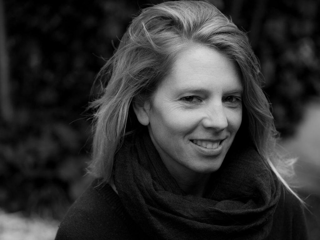 over mij: Martine van der Plas